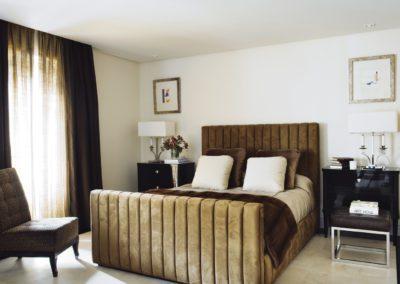 dormitorio, cama, mesa laca, interiorismo