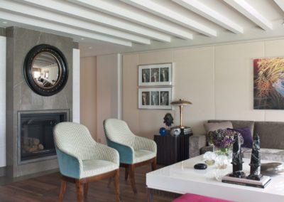 salón, decoración, chimenea, butacas, espejo