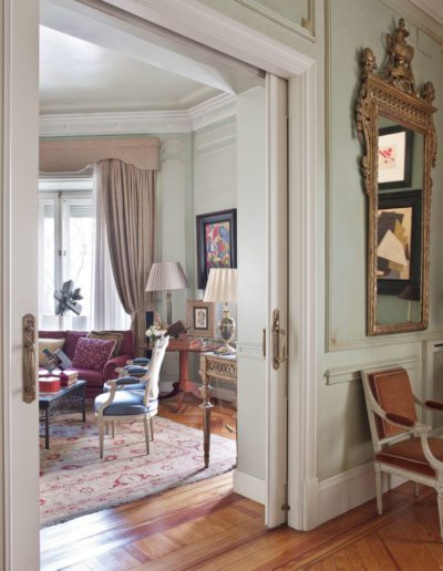 salón, decoración clásica, pintura contemporánea