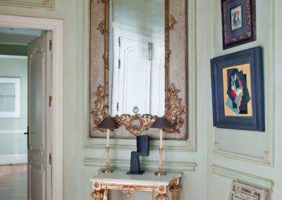 decoración clásica, pintura moderna, espejo