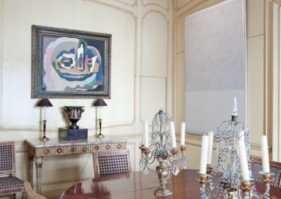 comedor, decoración clásica, pintura moderna