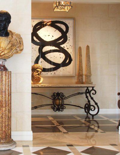 hall, suelo mármol, busto emperador, decoración