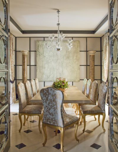 Comedor, dining room, sophisticated, interior design, decoración, mirror, doors, pintura Antonio Murado