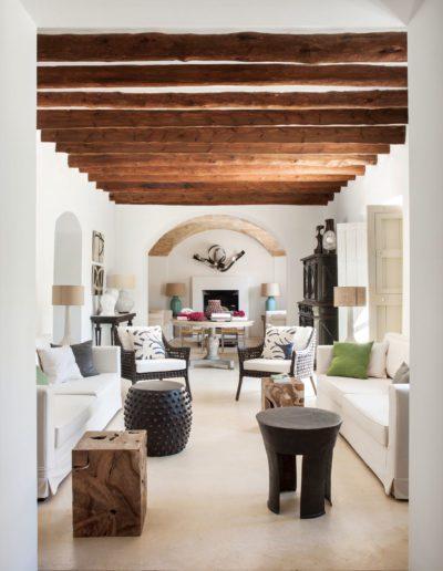 13 Salo_n, living room, taburetes, madera , metal, sofisticado, elegante, fresco