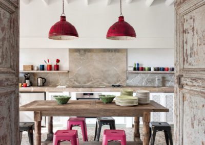 19 Kitchen, cocina, industrial, lamparas, taburetes, stools, lamps
