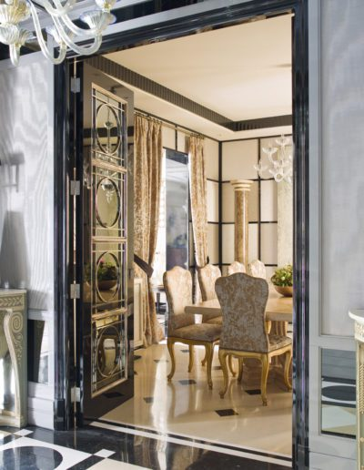 1a.9-Hall-sophisticated-interior-design-decoración-console-mirror-doors