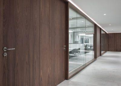 6 mamparas, puertas, walnut, doors, nogal, madera, cristal, dekton,