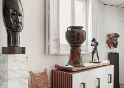 Krater Crátera Aparador sideboard eclectic elegant marble mármol escultura bronze Hall Africa